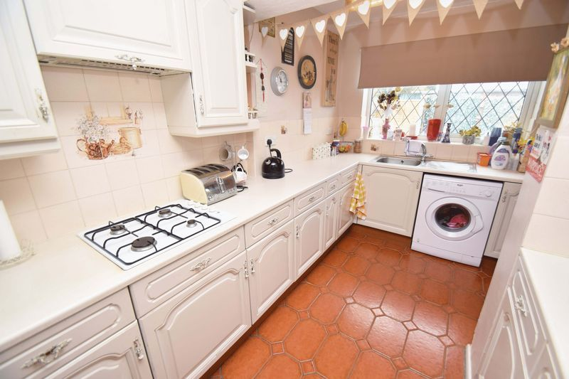3 bed house for sale in Sutton Close  - Property Image 10