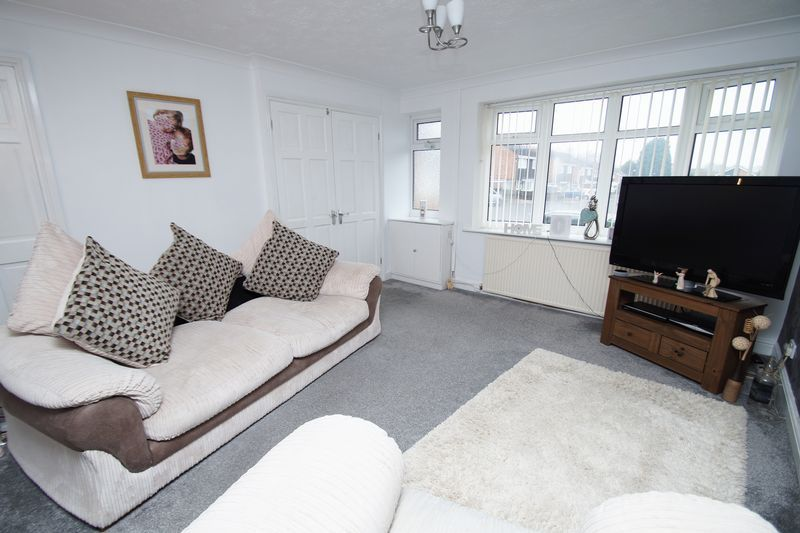 3 bed house for sale in Newent Close  - Property Image 3