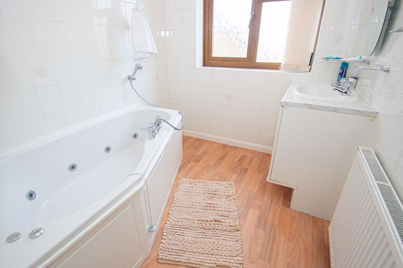 3 bed house for sale in Holmwood Drive 11