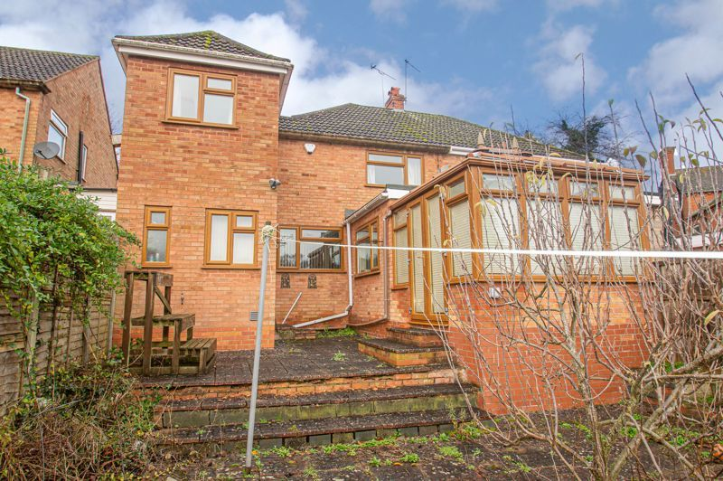 3 bed house for sale in Holmwood Drive 14