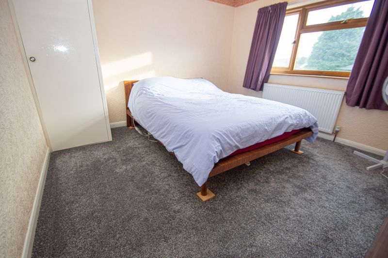 3 bed house for sale in Holmwood Drive 8