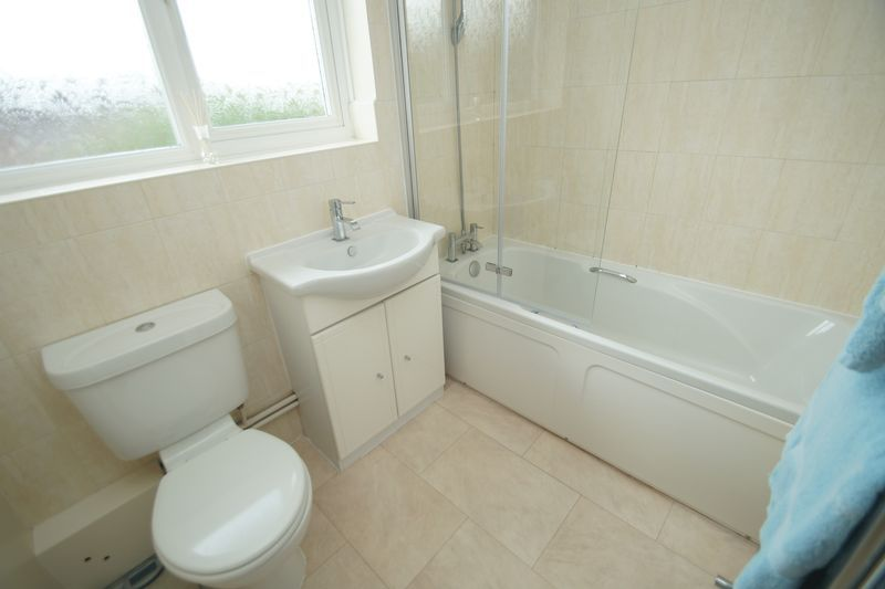 3 bed house for sale in Hopgardens Avenue 13