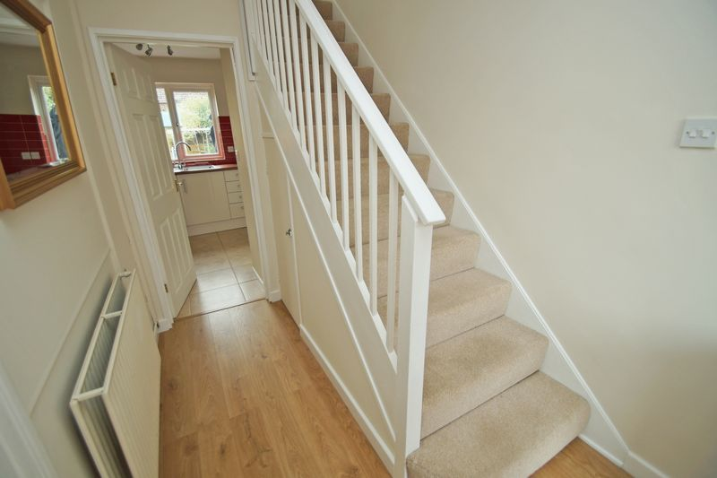 3 bed house for sale in Hopgardens Avenue 6