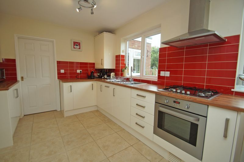 3 bed house for sale in Hopgardens Avenue  - Property Image 7