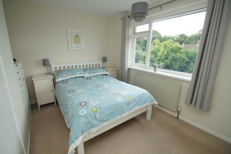 3 bed house for sale in Hopgardens Avenue 10