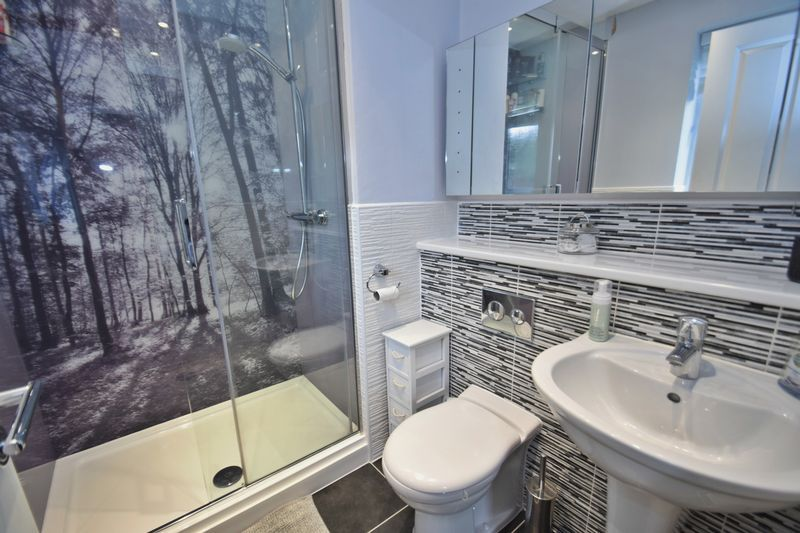 4 bed house for sale in Cowslip Close 12