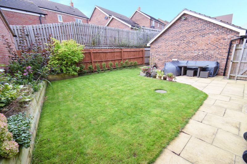 4 bed house for sale in Cowslip Close  - Property Image 19