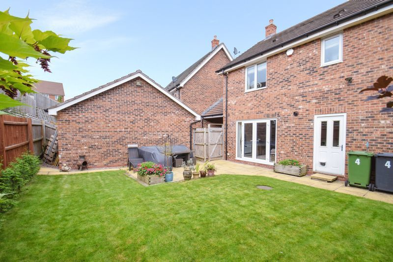 4 bed house for sale in Cowslip Close  - Property Image 20
