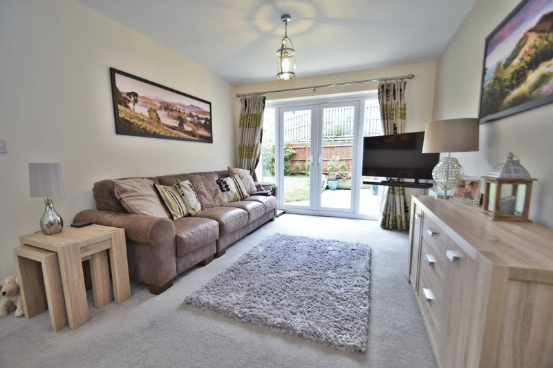 4 bed house for sale in Cowslip Close  - Property Image 3