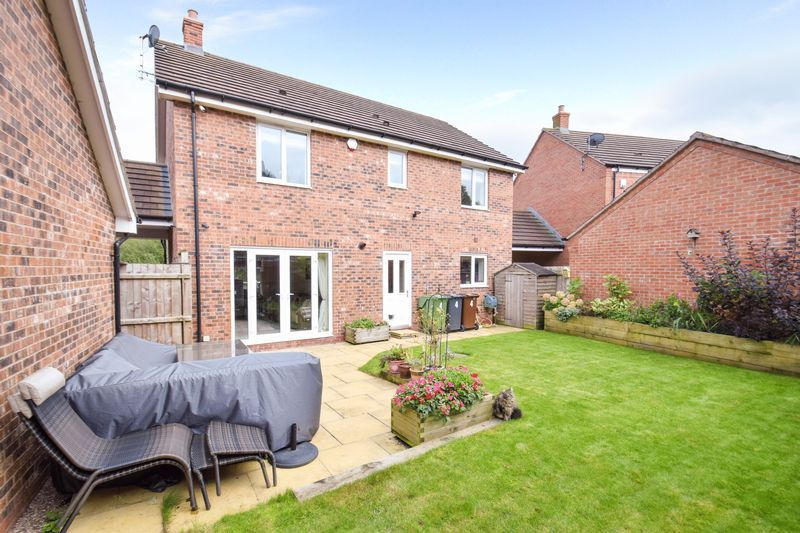 4 bed house for sale in Cowslip Close 4