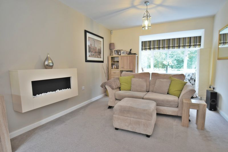 4 bed house for sale in Cowslip Close  - Property Image 7