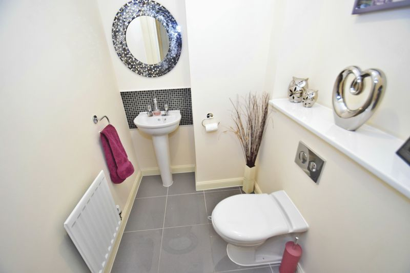 4 bed house for sale in Cowslip Close  - Property Image 9
