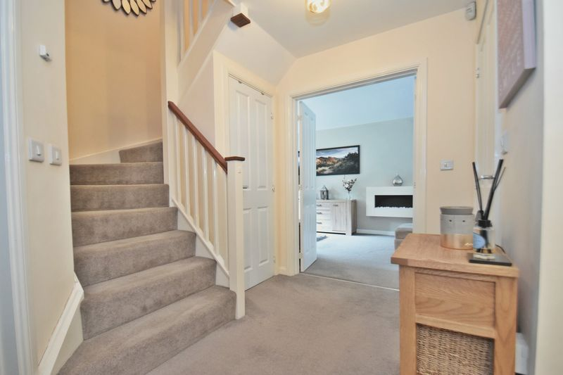 4 bed house for sale in Cowslip Close  - Property Image 10