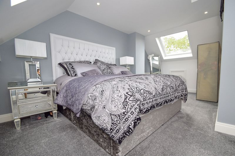 2 bed house for sale in Brueton Avenue 11