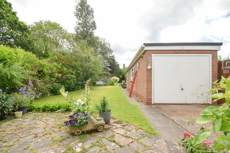 2 bed house for sale in Brueton Avenue  - Property Image 14
