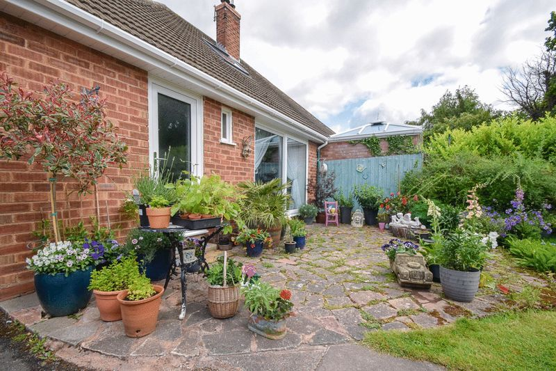 2 bed house for sale in Brueton Avenue  - Property Image 15