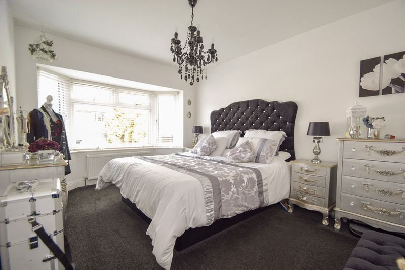 2 bed house for sale in Brueton Avenue  - Property Image 8