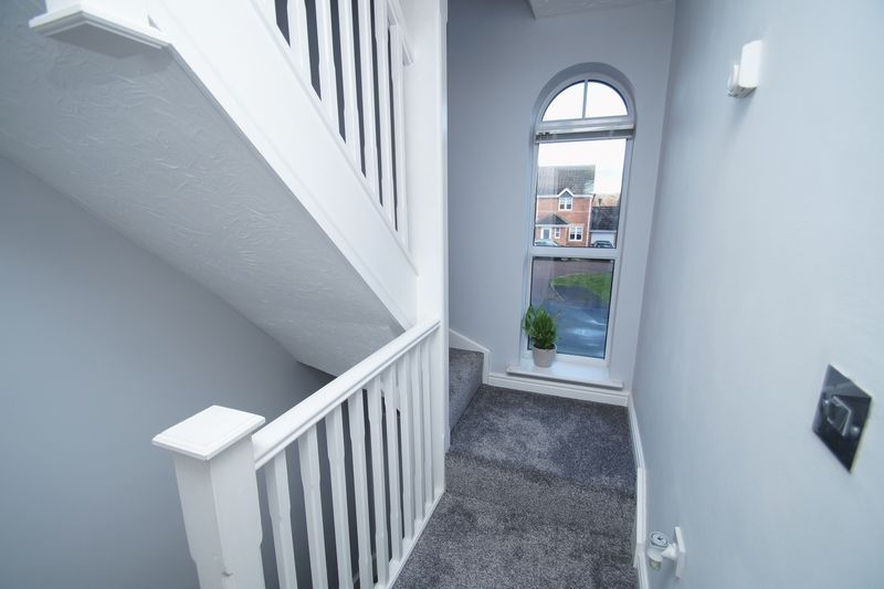 3 bed house for sale in Appletree Lane 6