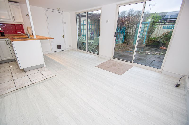 3 bed house for sale in Cheswick Close 5