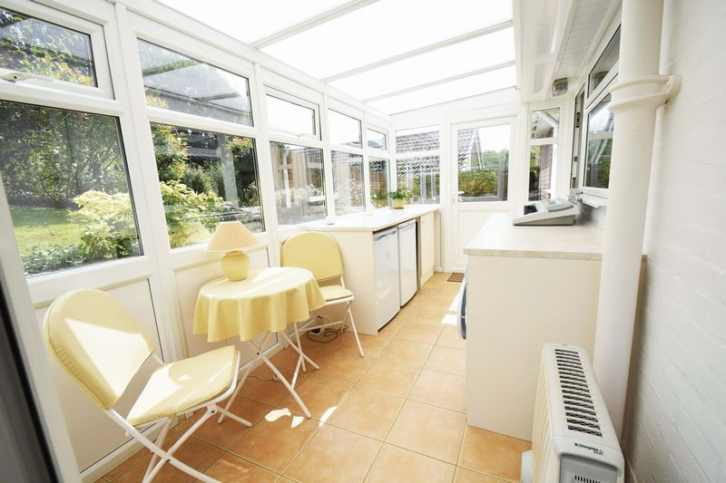2 bed bungalow for sale in St. Peters Close  - Property Image 9