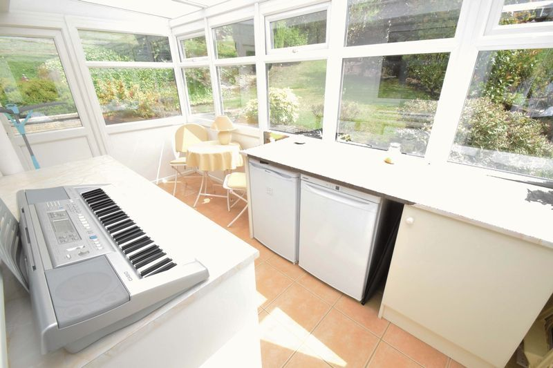 2 bed bungalow for sale in St. Peters Close  - Property Image 10
