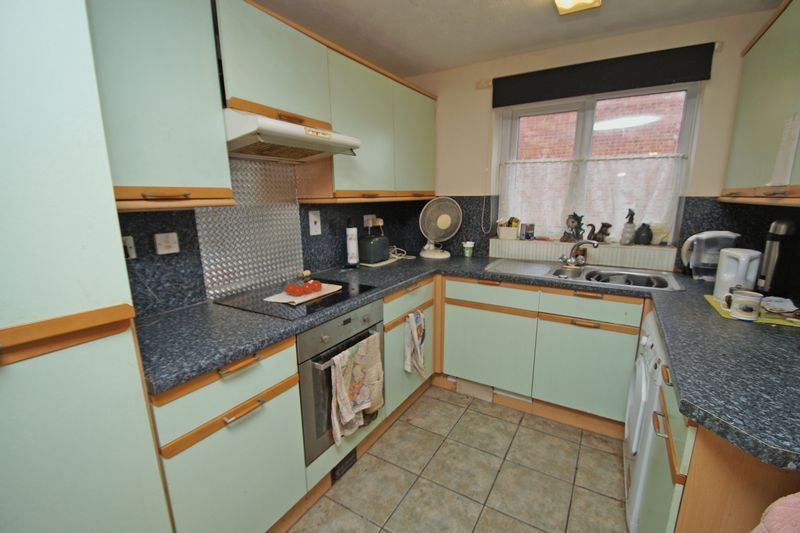 3 bed house for sale in Exhall Close 3