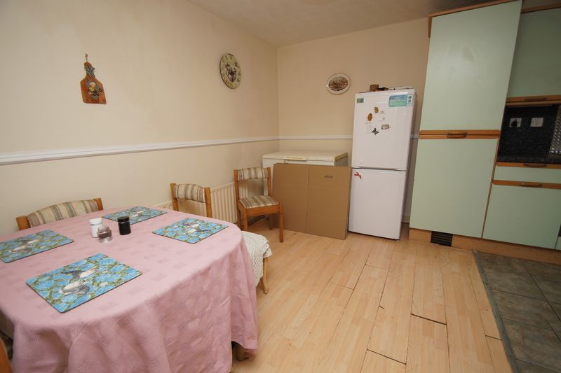 3 bed house for sale in Exhall Close 4