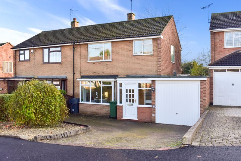 3 bed house for sale in Wendron Close 1
