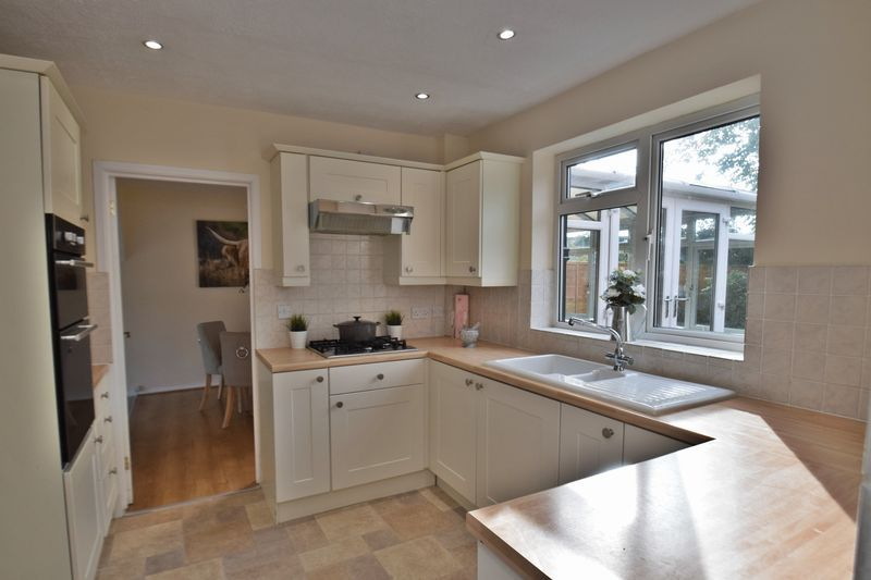 3 bed house for sale in Wendron Close 7