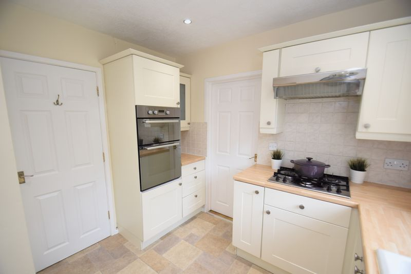3 bed house for sale in Wendron Close 8