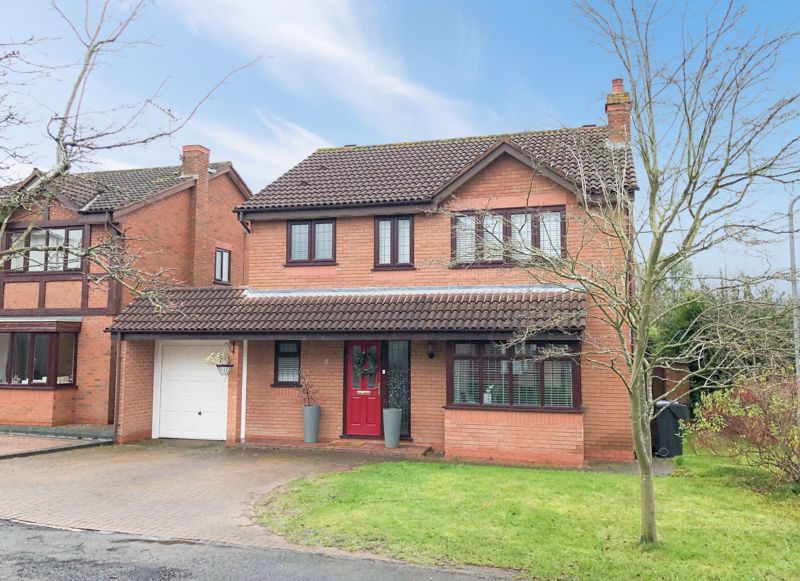 4 bed house for sale in Riverside Close - Property Image 1