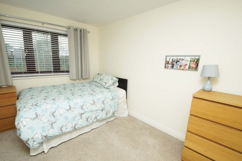 4 bed house for sale in Riverside Close  - Property Image 10
