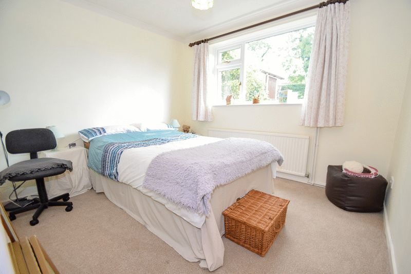 3 bed bungalow for sale in Austcliff Close 10