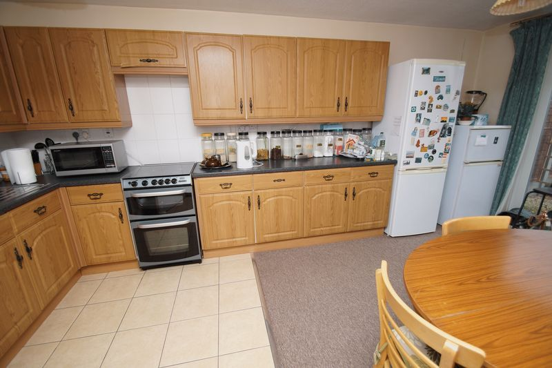 3 bed house for sale in Kineton Close 2