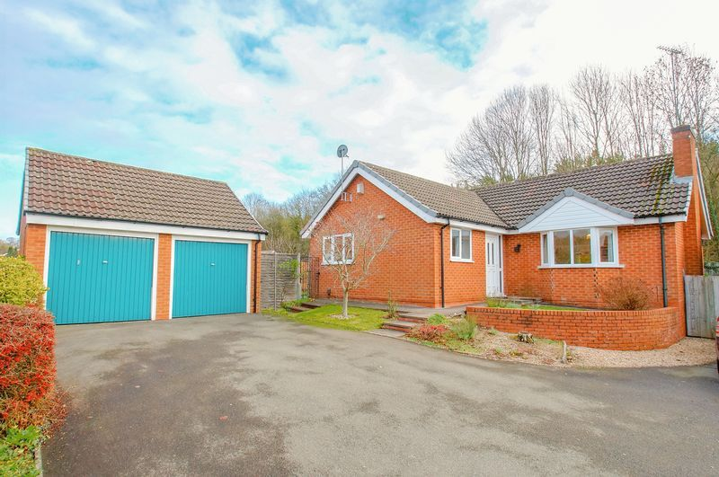3 bed bungalow for sale in Norbury Close 1