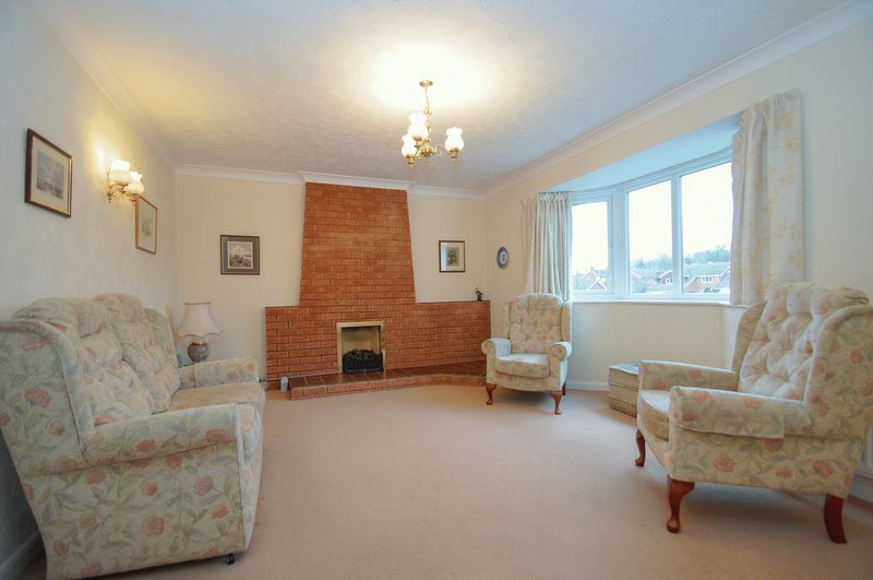 3 bed bungalow for sale in Norbury Close 2