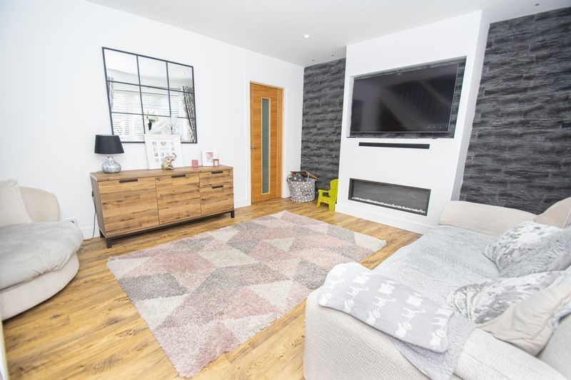 3 bed house for sale in Kitebrook Close 3