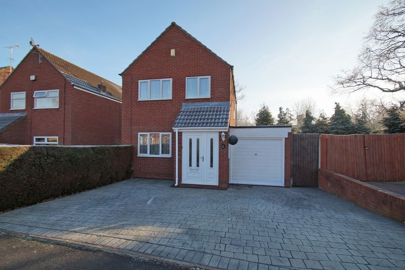 3 bed house for sale in Lassington Close 1