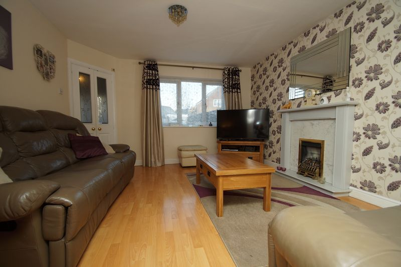 3 bed house for sale in Lassington Close 4