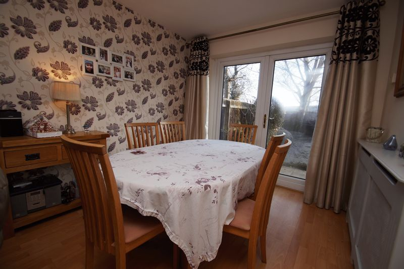 3 bed house for sale in Lassington Close  - Property Image 5