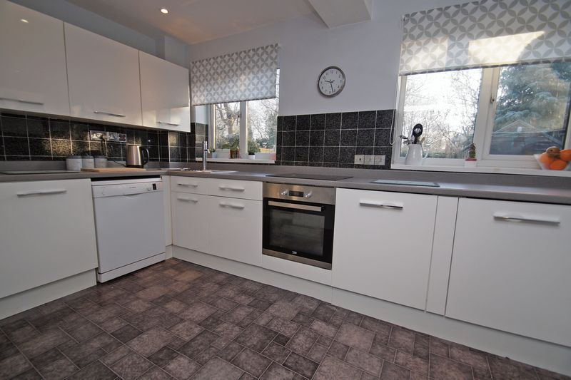 3 bed house for sale in Lassington Close 7