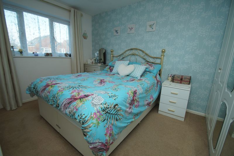 3 bed house for sale in Lassington Close 9
