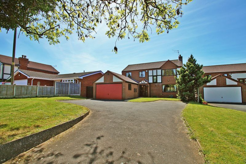 5 bed house for sale in Bridgnorth Road  - Property Image 2