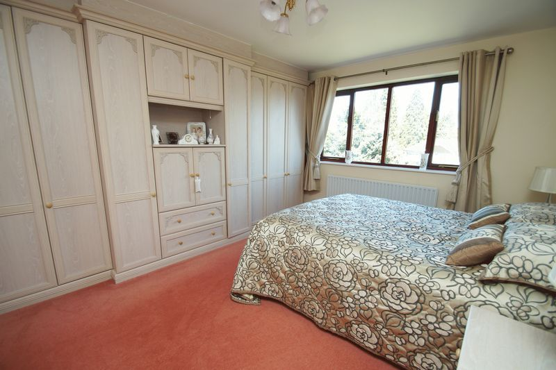 5 bed house for sale in Bridgnorth Road 12