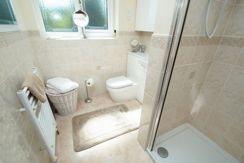 5 bed house for sale in Bridgnorth Road 13
