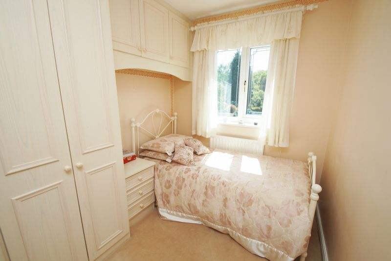 5 bed house for sale in Bridgnorth Road 16