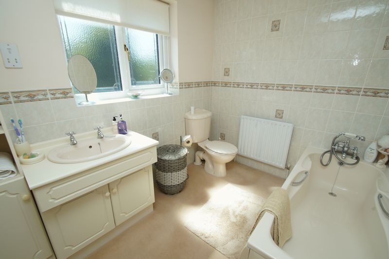 5 bed house for sale in Bridgnorth Road  - Property Image 17