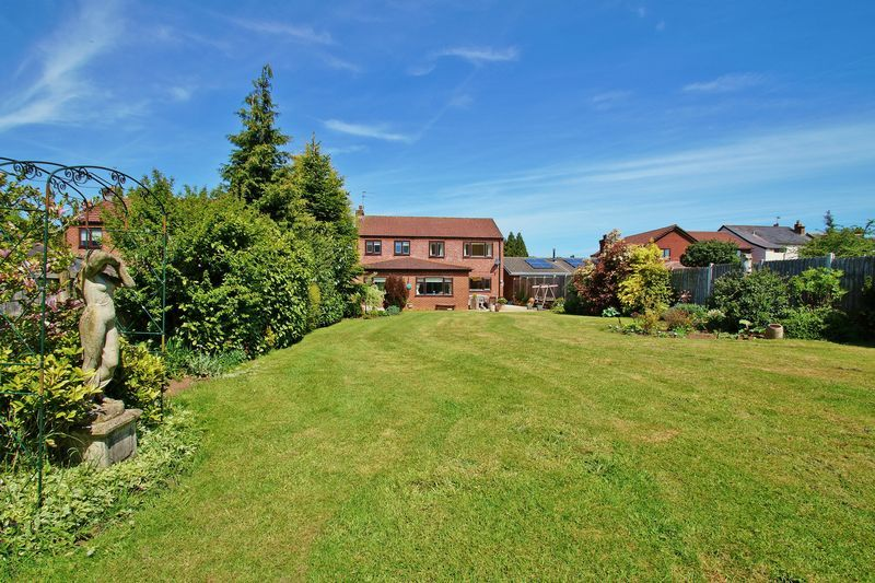 5 bed house for sale in Bridgnorth Road  - Property Image 20