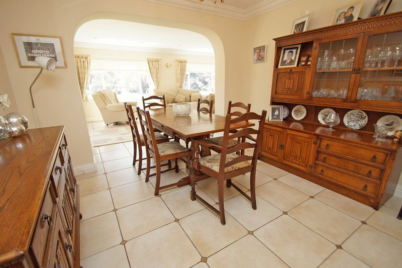 5 bed house for sale in Bridgnorth Road  - Property Image 5