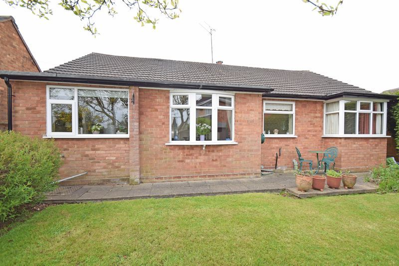 2 bed bungalow for sale in Stourton Crescent 12
